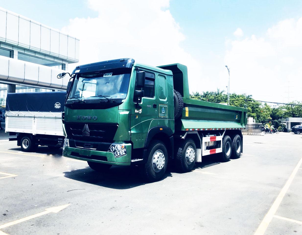 Xe-Tai-Ben-Howo-4-Chan-380-thùng-vat